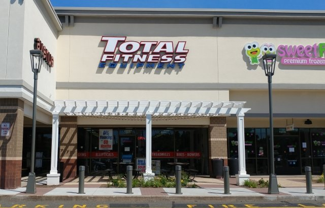 Total fitness equipment stores in connecticut for Michaels crafts manchester ct